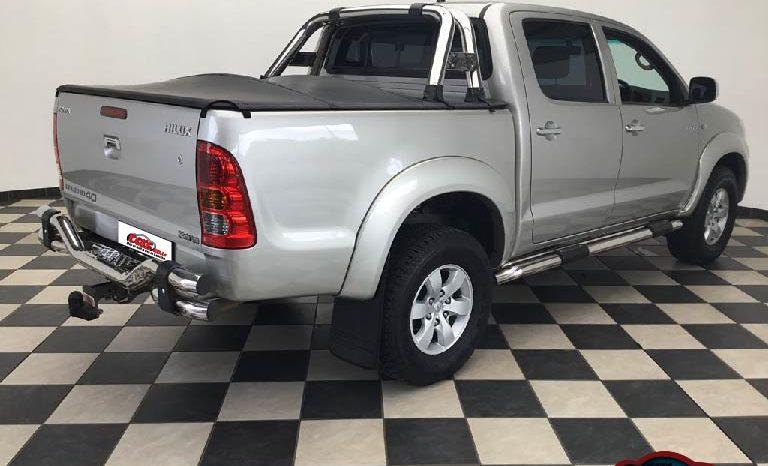 Local Toyota Hilux 2011 full